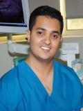 دكتور مثن شيتي أخصائي تقويم الأسنان